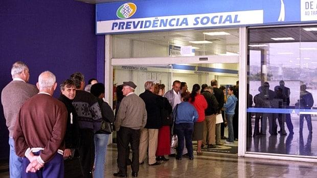 Previdência: entidades querem renda mínima em proposta de reforma.