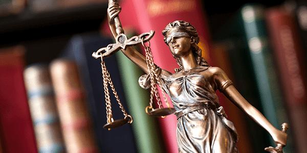 Suspensos Processos Sobre Extensão do Adicional para Aposentados que Dependem de Assistência.