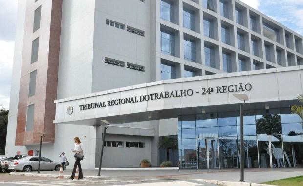 Tribunais regionais derrubam pontos da reforma trabalhista