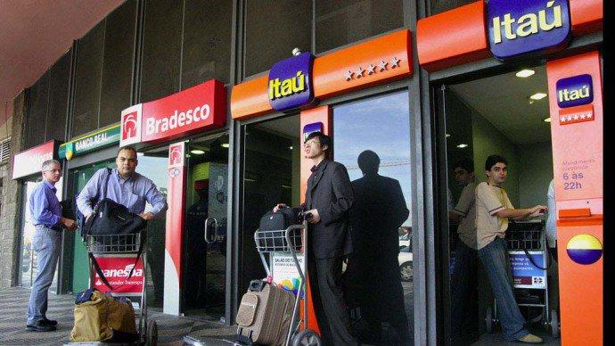 Tribunais registram queda no número de ações contra bancos